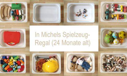Michels Spielzeugregal mit 24 Monaten