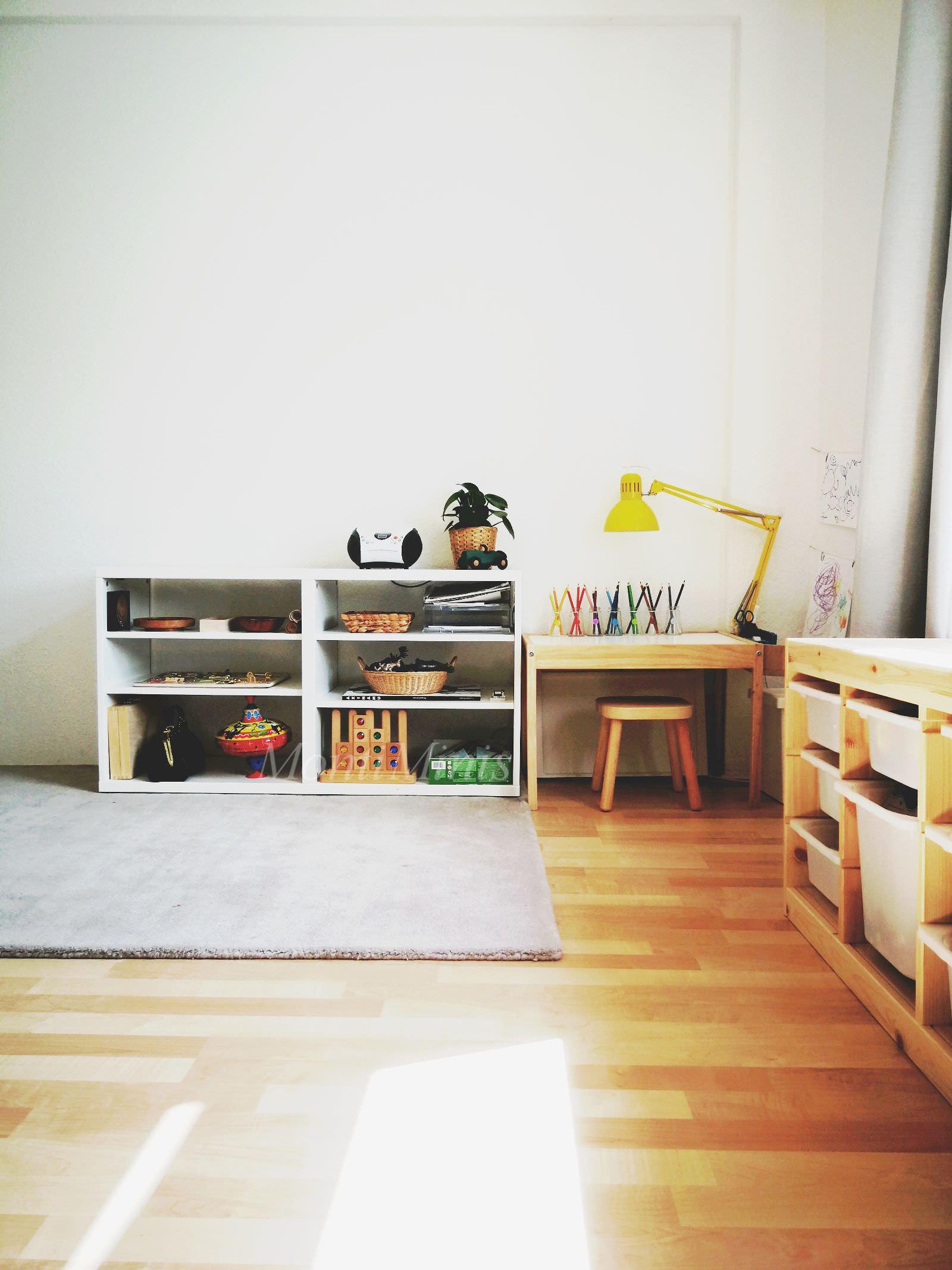 michels kinderzimmer mit 2 5 jahren montiminis. Black Bedroom Furniture Sets. Home Design Ideas
