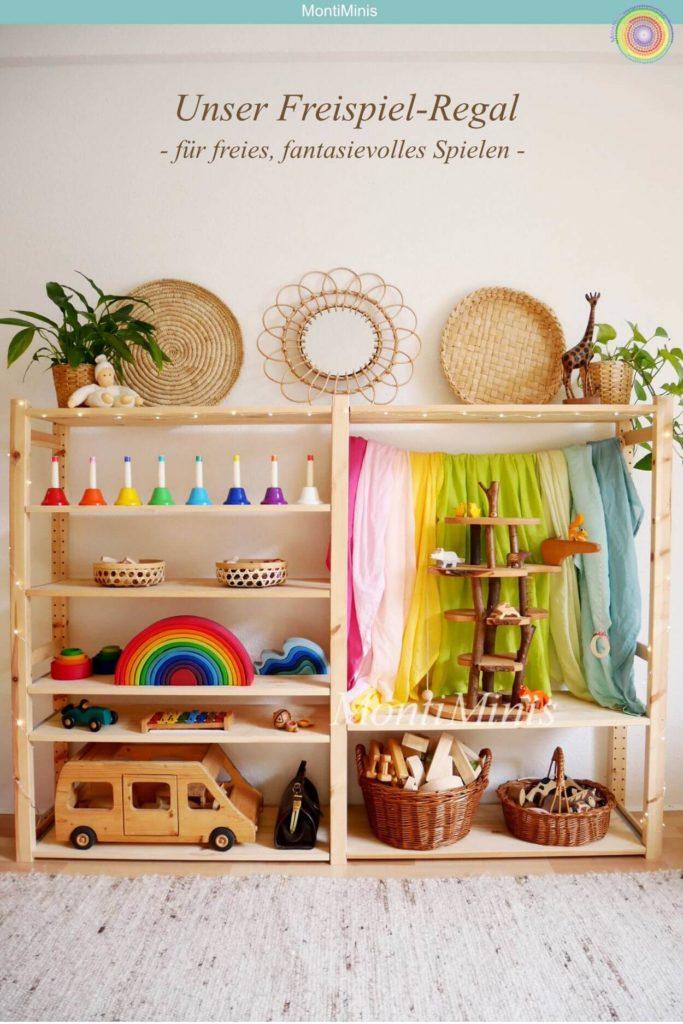 Michels Montessori Kinderzimmer: Das Freispiel-Regal März 2019, Montessori Zuhause, Waldorf Spielzeug, Grimms, Baumhaus, Spieltücher, Regenbogenglocken, Kinderzimmer Inspiration | MontiMinis.com