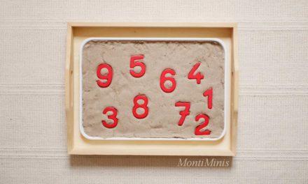 Mathematik Aktionstabletts und Materialien für zahlenbegeisterte Kinder (plus kostenlose Druckvorlagen)